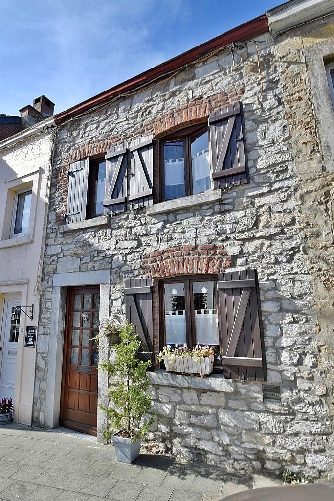 Wegnez – Charmante maison en pierre au centre du village de Wegnez