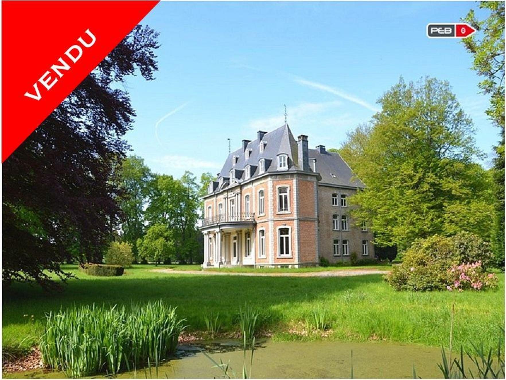 Limbourg – Authentique Château de la Louveterie